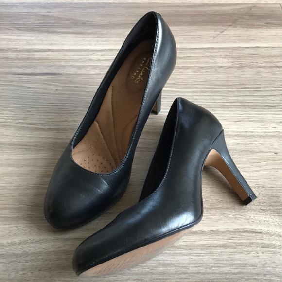 e185fa2ab42 Clarks Shoes - Clarks Artisan Black Pumps